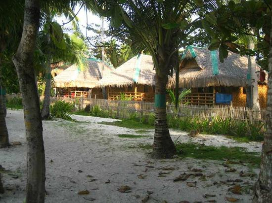 White Sand Bungalows : Beach front bungalows