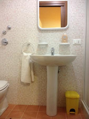 Gafada 2: modern bathroom