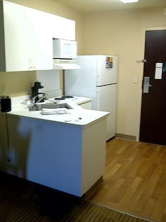 Extended Stay America - Phoenix - Peoria: kitchen