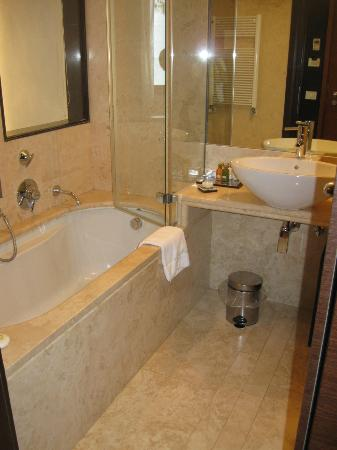 Hotel Palazzo Giovanelli: Bathroom