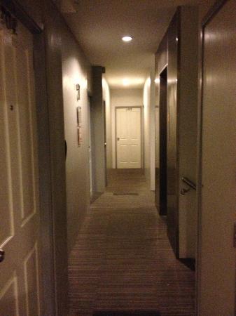 myhotel Pratunam: corridor