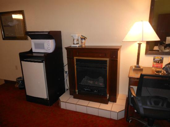 La Quinta Inn Pigeon Forge Dollywood: fire place