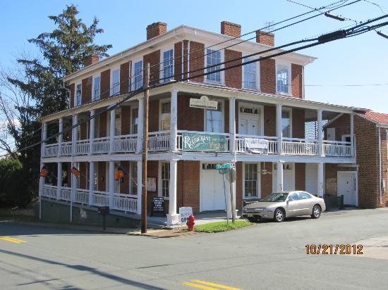 Lafayette Inn & Restaurant: Lafayette Inn, Standardsville, VA
