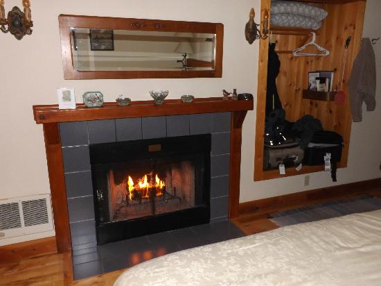 BaseCamp Cottages: a warm ambience