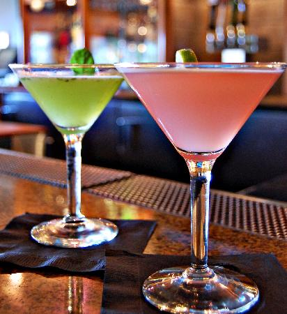 Chaminade Resort & Spa: Signature Cocktails in Linwood's Bar & Grill