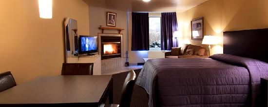 Hotel Vacances Tremblant: Studio with wood firepalce / Studio avec foyer