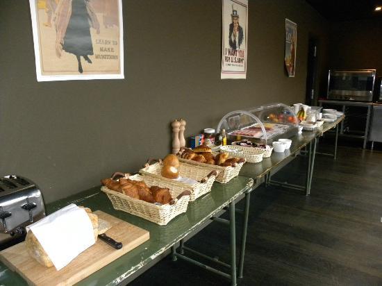 Hotel O Ieper - Grote Markt: breakfast buffet