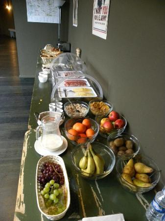 هوتل أو إيبر: breakfast buffet