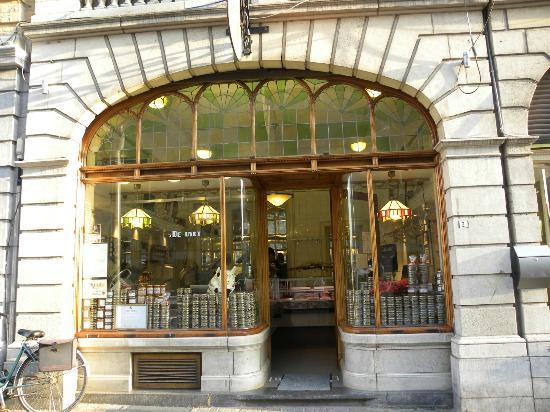 Hotel O Ieper - Grote Markt: Depuydt delicatessen shop at Neermarkt 2