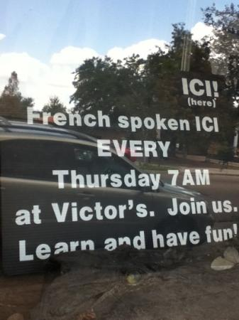 Victor's Cafeteria: sign in window