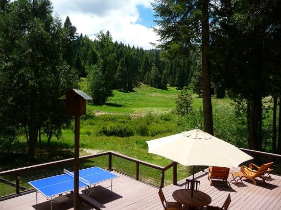 Yosemite Big Creek Inn : Deck