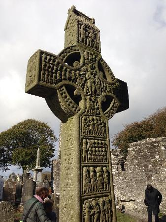 Monasterboice Monastic Site: Cross