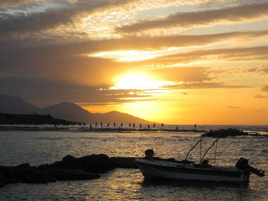 Frangokastello Beach: Dawn at Frangocastello