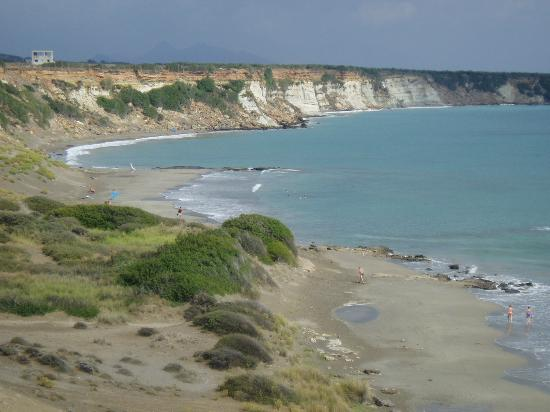 Frangokastello Beach: Sand dune or orthi ammnos beach at Frangocastello