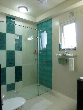 โรงแรม มันตรา อมัลทาส: Bathroom