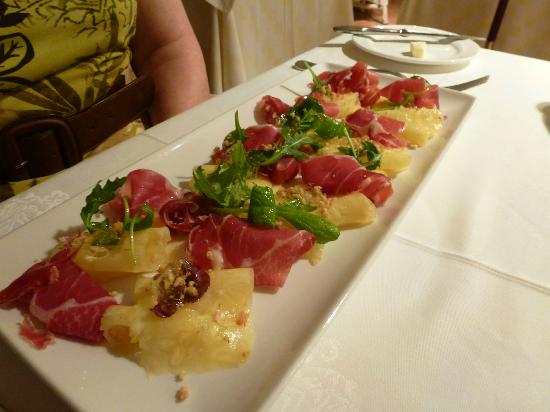 Servigroup Montiboli: what a starter!! serrano ham, pineapple and vodka jelly!!
