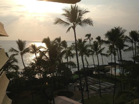 Royal Kona Resort: Our hotel room view