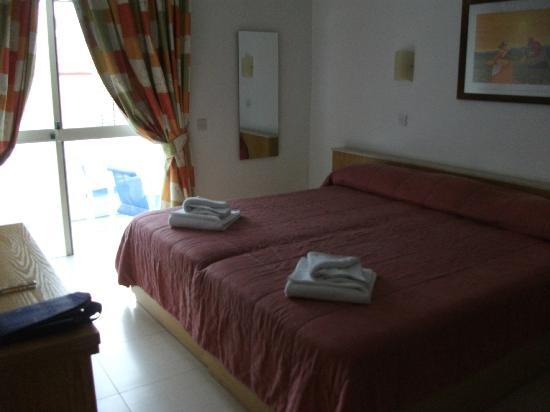 Club Salina Wharf: Master Bedroom with 1 balcony