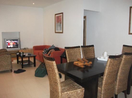 Club Salina Wharf: Dining area/Lounge area