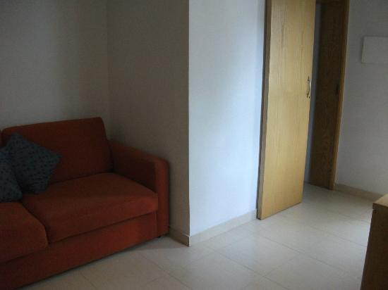Club Salina Wharf: 2nd sofa and door to 2nd Bathroom