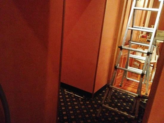 Albergo Ottocento: hall acceso