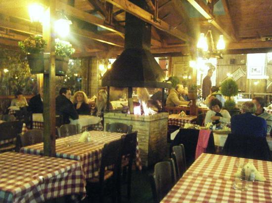 Metsovo, Grèce : To Tzaki Restaurant