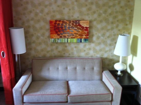 Home2 Suites by Hilton Charlotte I-77 South: the couch