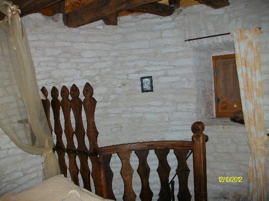 Chateau de Cantecor: Escalera que da a la habitacion