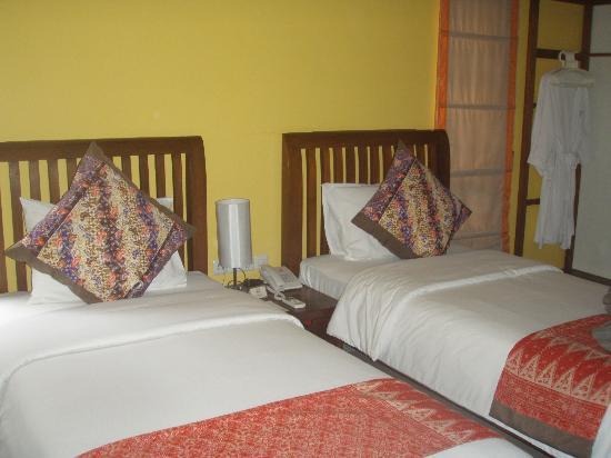 Cocotinos Manado: chambre