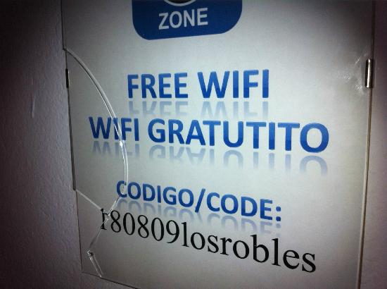 Apartments Los Robles: wifi poster