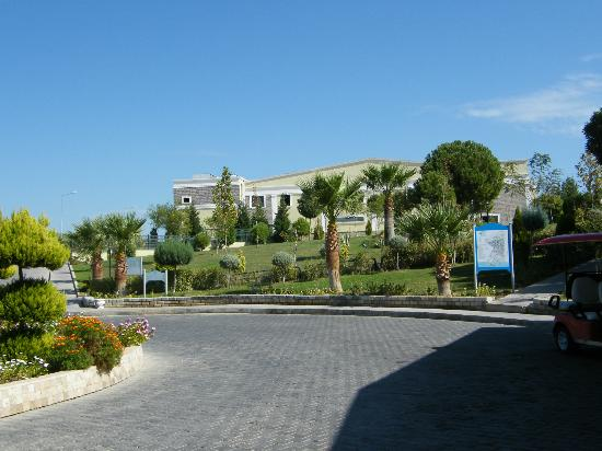 Palm Wings Beach Resort: view of main hotel