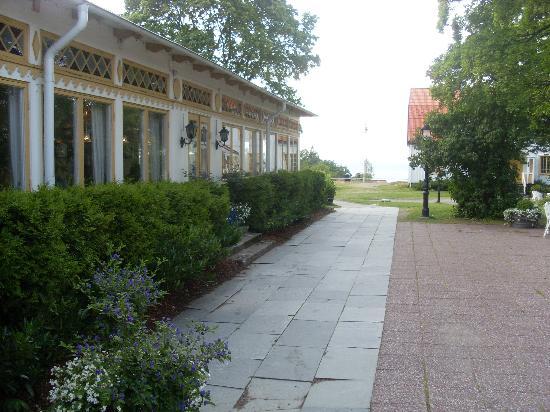 Uto Vardshus Restaurang : Längs med matsalen