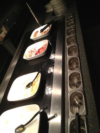 Premier Inn London Heathrow Airport (Bath Road) Hotel: Breakfast Buffet
