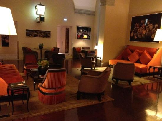 Hotel L'Orologio: salas