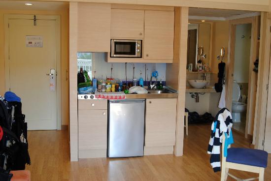 Zafiro Bahía: Küchenzeile