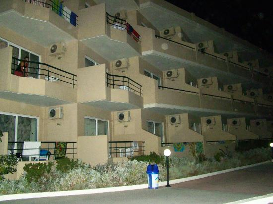 Seafront Apartments : Корпус отеля-4 этажа