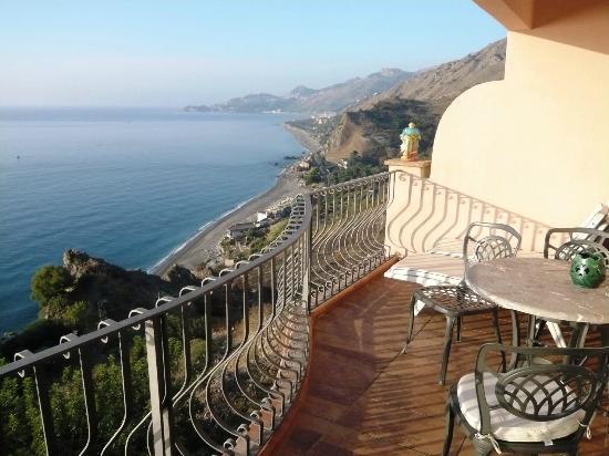 Baia Taormina: Vue du balcon (suite)