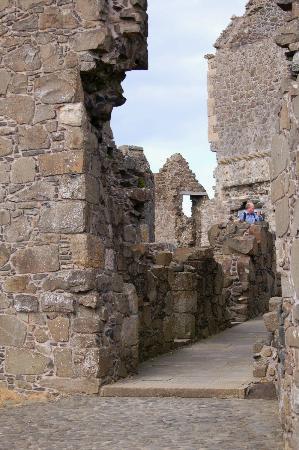 Dunluce Castle: Corridor