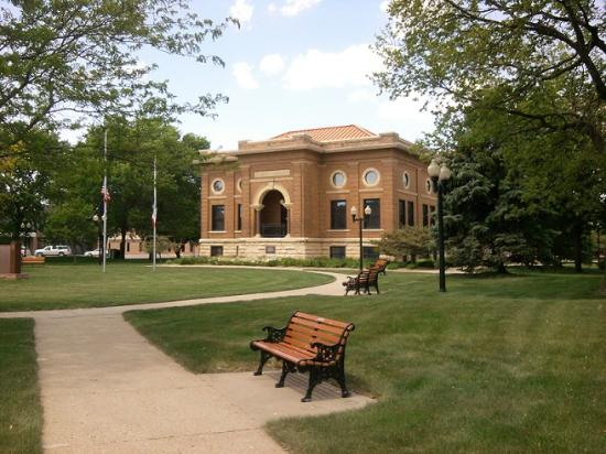 Estherville Library Square
