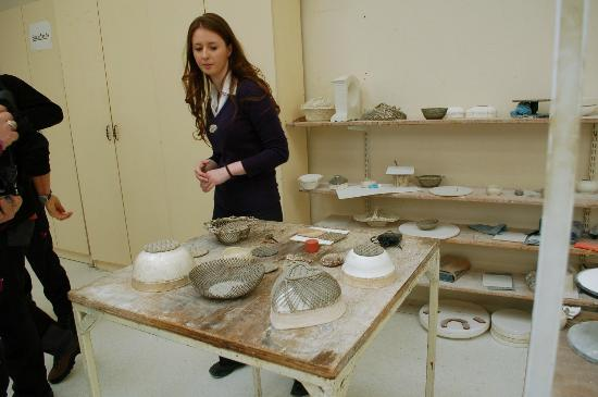 Belleek Pottery & Visitor Centre: Our guide was very informative
