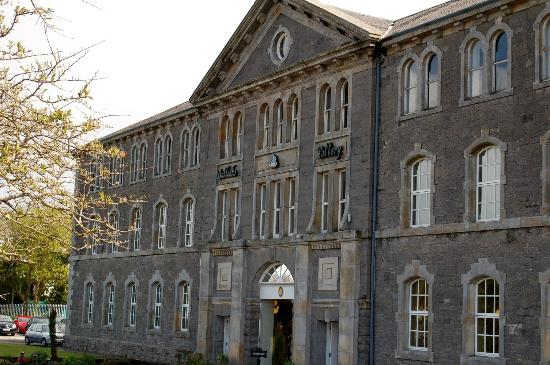 Belleek Pottery & Visitor Centre: Belleek Factory