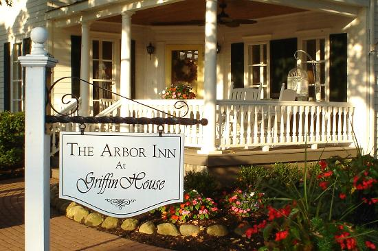 Arbor Inn at Griffin House: A warm welcome awaits you