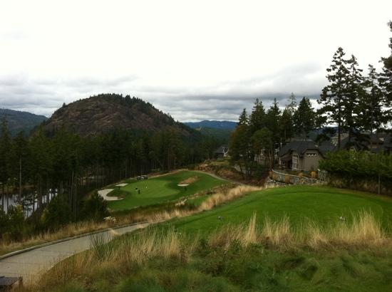 Westin Bear Mountain Victoria Golf Resort & Spa: 16th Tee par 3 (mountain course)