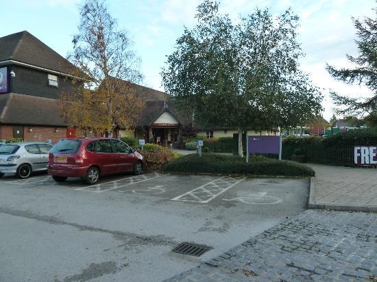 Premier Inn Nottingham West Hotel: View from Car Park