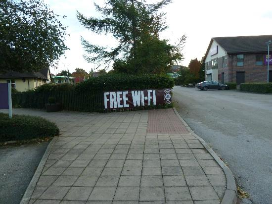 Premier Inn Nottingham West Hotel: Free Wifi but only for 30 mins
