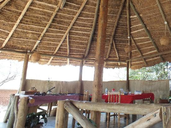 Ol Mesera Tented Camp: Dining in the airy Lapa