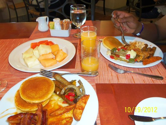 Fiesta Americana Condesa Cancun All Inclusive:                   Breakfast was the BEST at the buffet!!!!!