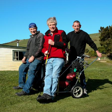 Otago Peninsula Motel: Golf with the owner and a couple of locals at nearby course.