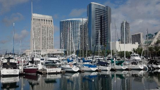 Marriott Marquis San Diego Marina: Marriott Towers with marina in foreground