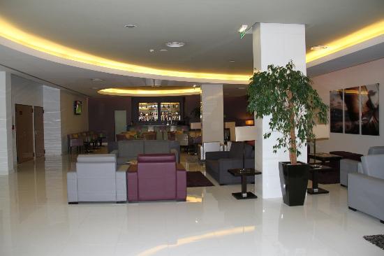Lince Hotel Madeira: La zona de la recepcion y bar
